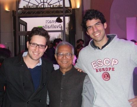 Photo équipe avec Pr. Yunus